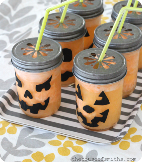 Fizzy Pumpkin Halloween Drink + Party Tips