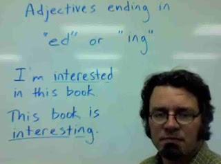 Adjective: bentuk -ed dan -ing