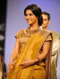 Konkona Sen Sharma Showstopper at LFW 2014 (4).jpg