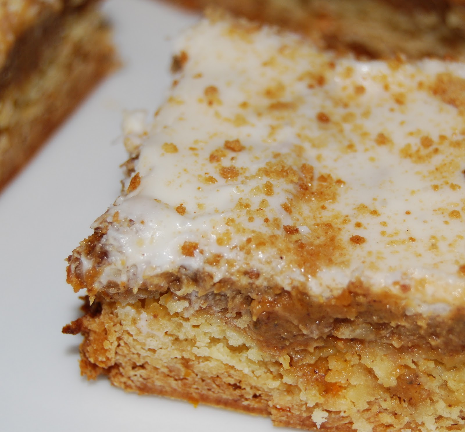 Monster Mama: Pumpkin Pie Cake Bars