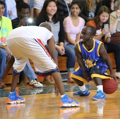"""Anãozinho quer cotas para que """"deficientes verticais"""" possam jogar basquete sem discriminação"""