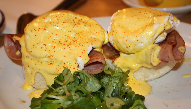 The Breakfast Club Eggs Benedict