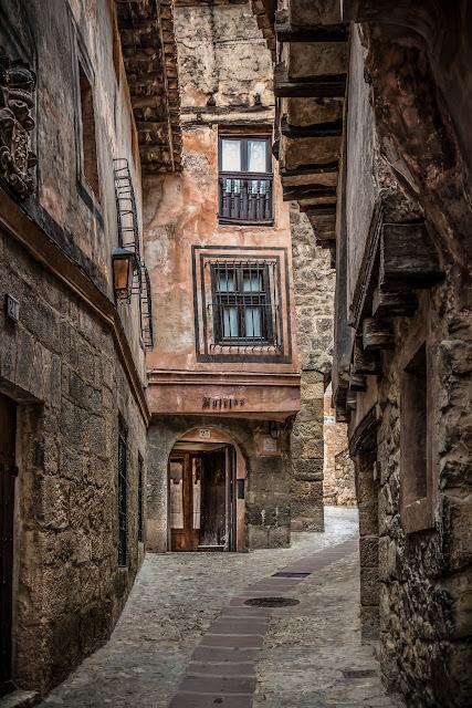 Albarracín :: Canon EOS5D MkIII | ISO200 | Canon 24-105 @40mm | f/5.0 | 1/40s