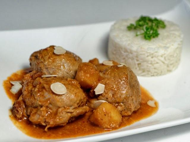 Curry de volaille, pomme, noix de coco