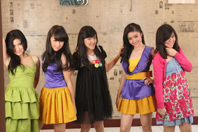 Wallpaper Blink Girlband