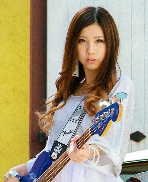 SCANDAL Awanai Tsumori No,Genki dene Promotion Photo Tomomi Ogawa 1