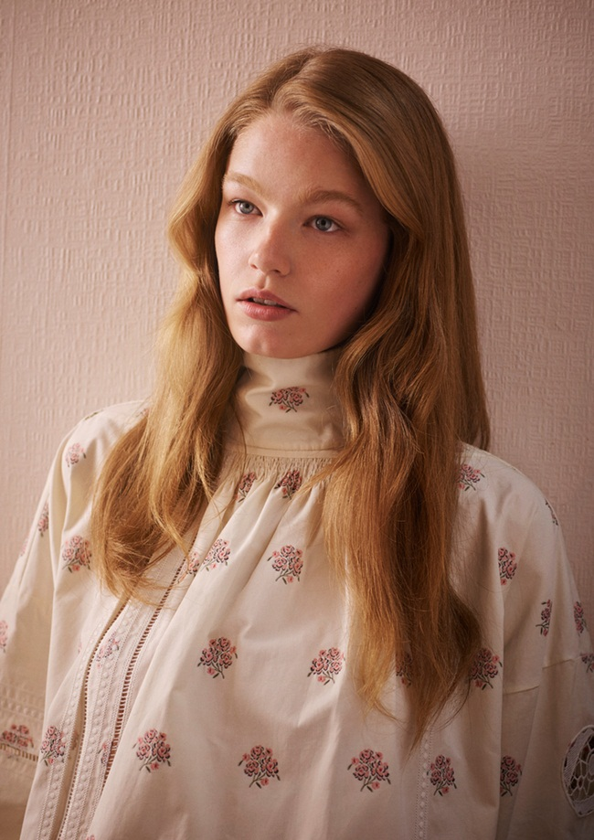 Christian Dior 2015 SS Edwardian Embroidered Turtleneck Cotton Shirt-Dress Editorials