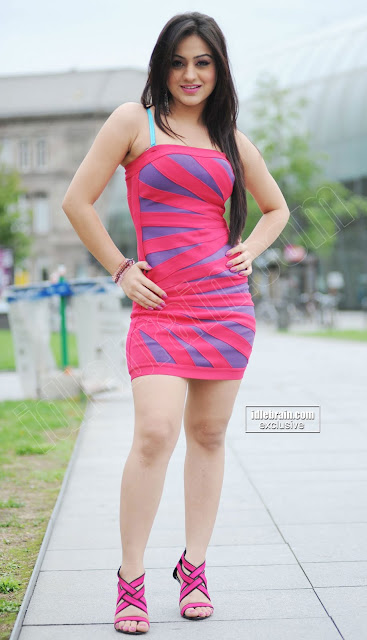 Thigh Show Pretty Actress Aksha in short dress Hot