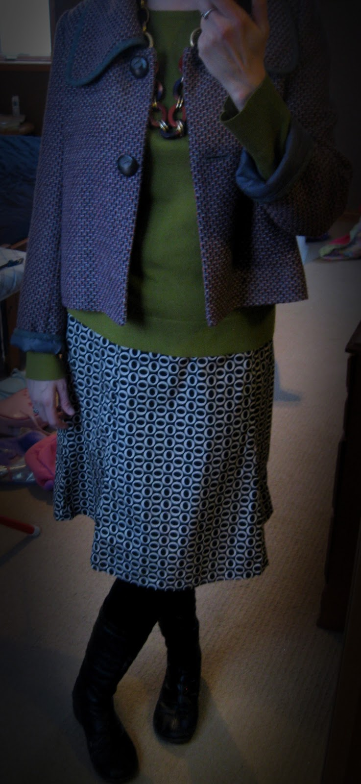 http://vvboutiquestyle.blogspot.ca/2013/01/playing-dress-up.html