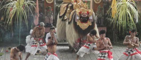 Tarian Barong dan Keris - Desa Batubulan Gianyar Bali, Liburan, Wisata, Atraksi