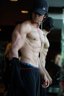 Krrish 3 Hrithik Roshan Amazing Body Building Photos,Pics,Phtos and wallpapers.