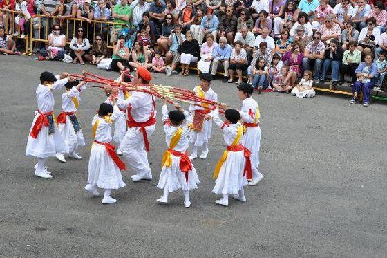 imagen_fiesta_nieves_burgos_machorras_montaña_bobo_danzantes