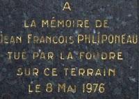 plaque en mémoire de JF Phliponeau