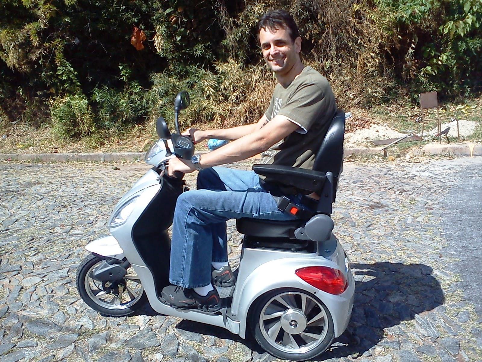 Blog do Cadeirante: Triciclo Elétrico Tribike #664437 1600x1200 Banco Banheiro Cadeirante