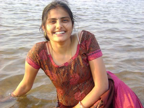 sialkot single girls Singles for love and new friends in sialkot, punjab, pakistan meet local meles and females, girls and boys, video chat, parties and fun.