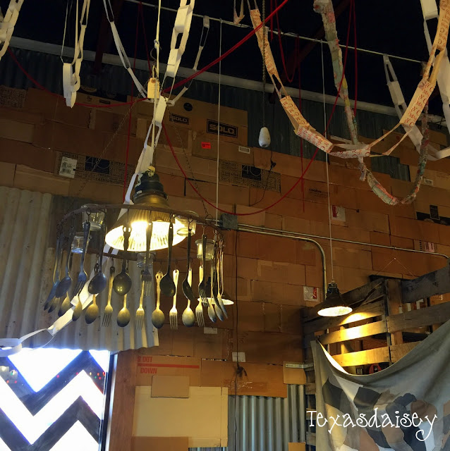 You have got to see this store...Ballyhoo...cool light fixtures