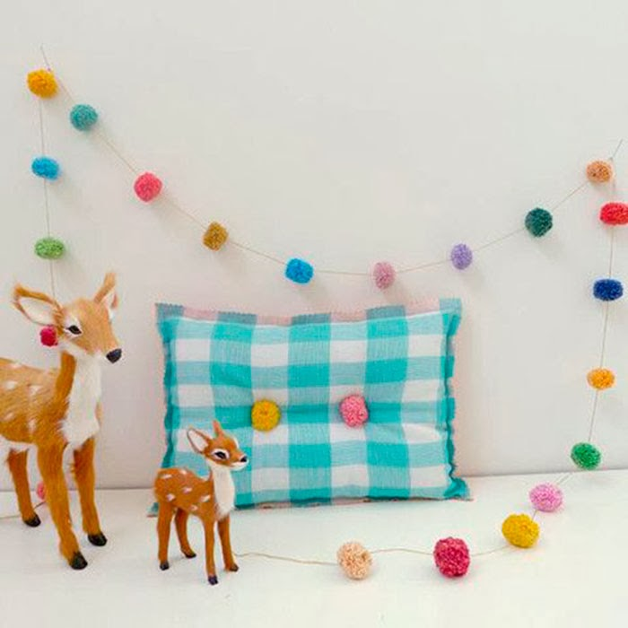 Mon petit piu piu deco handmade m quina para hacer pompones for Articulos para decorar habitaciones