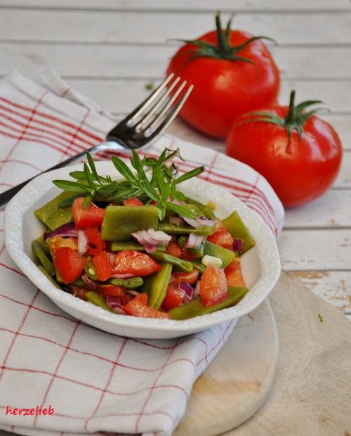 bohnen tomaten salat schnell gemacht und immer lecker herzelieb. Black Bedroom Furniture Sets. Home Design Ideas