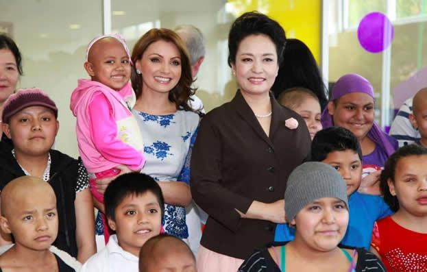Ang lica rivera y peng liyuan for Espectaculos recientes de televisa