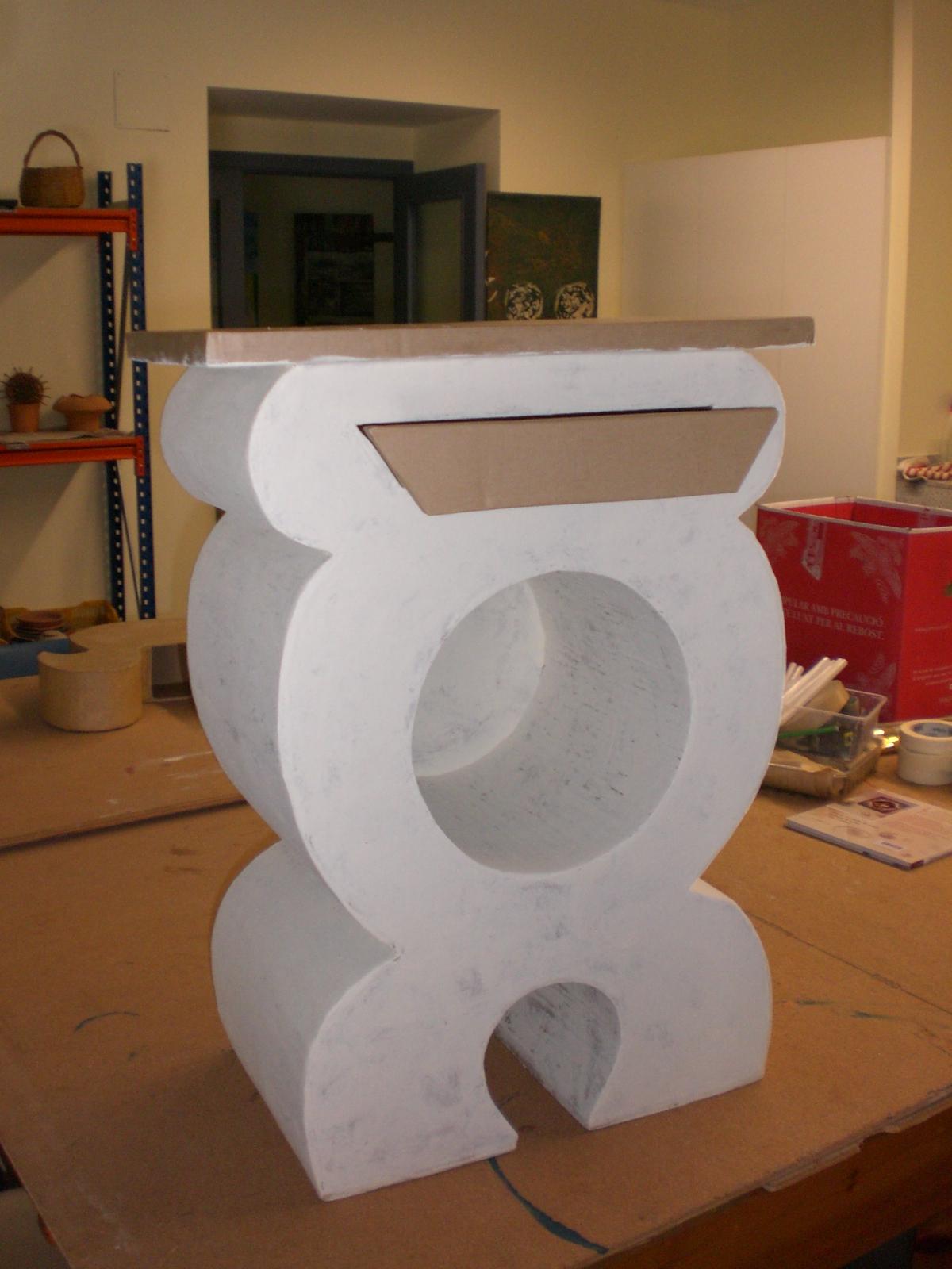 El mundo loco del carton el mueble redondo - Imagenes de muebles de carton ...