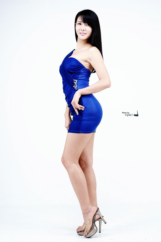 潇洒的情人就是你 (xiāo sǎ dí qíng rén jiù shì nǐ) - The dashing lover is you<br>娇羞的女孩就是我 (jiāo xiū dí nǚ hái jiù shì wǒ) - The lovable shy girl is me