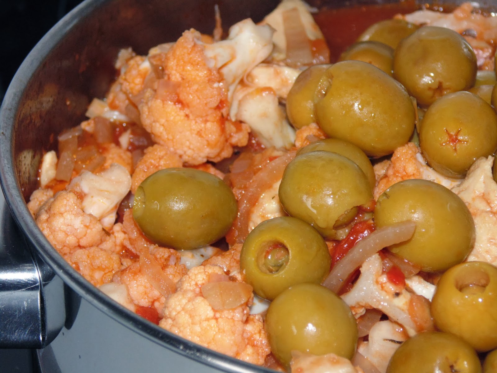 Chicken With Cauliflower And Olives Recipes — Dishmaps