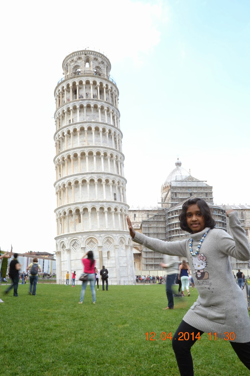 Photoshoot of Leaning Tower of Pisa