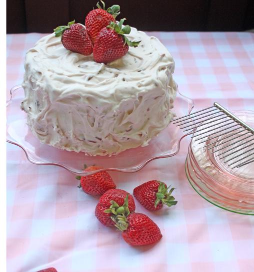 Strawberry Jello Cake Parfait