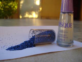 Glitter em pó e base Risqué 2 em 1