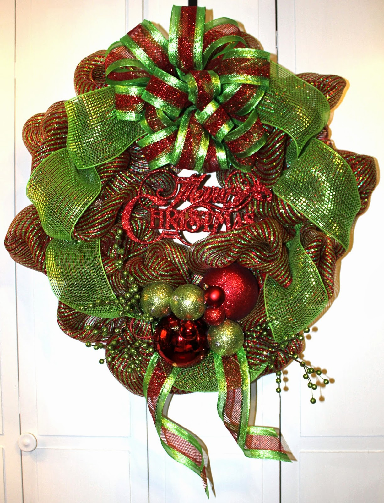 Christmas Holiday Décor Wreath Deco Mesh Lime Green Red Merry Tangled Wreaths