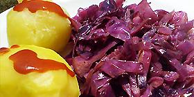 Col lombarda rehogada con patatas cocidas