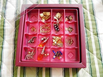 organizando bijuterias