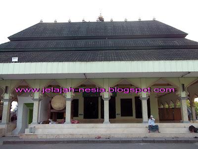 Wisata Religi Di Makam Sunan Ibrahim Asmaraqondi [ www.BlogApaAja.com ]