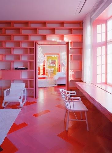 Lantai Rumah Dengan Warna Pink - Merah
