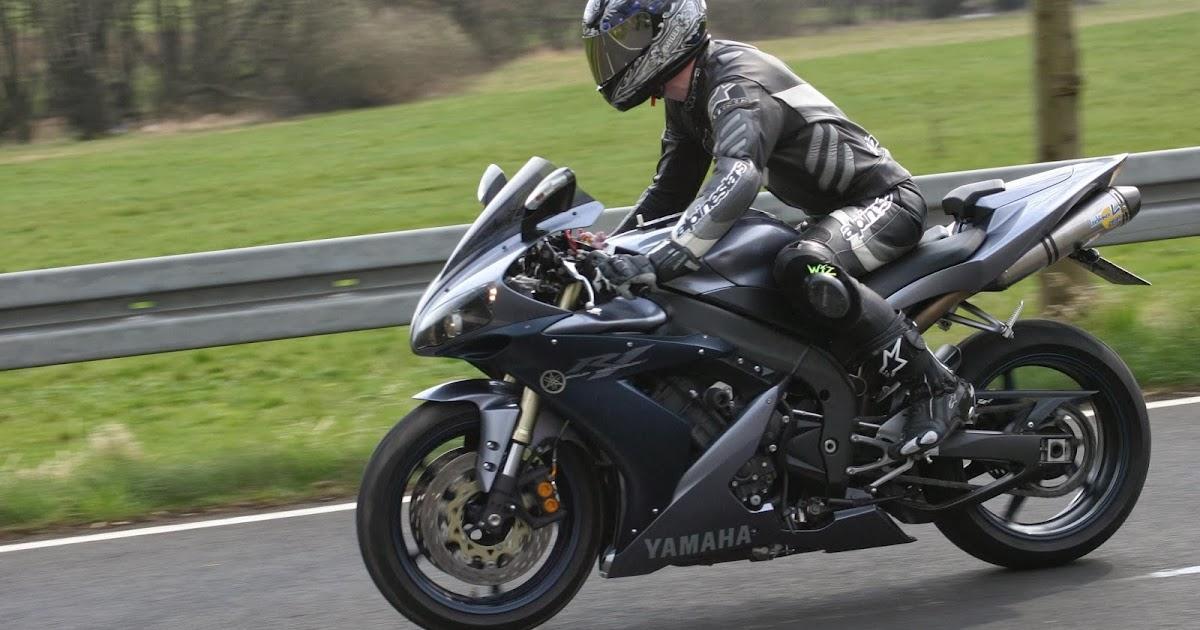 Yamaha YZF-R1 added by Alfredo
