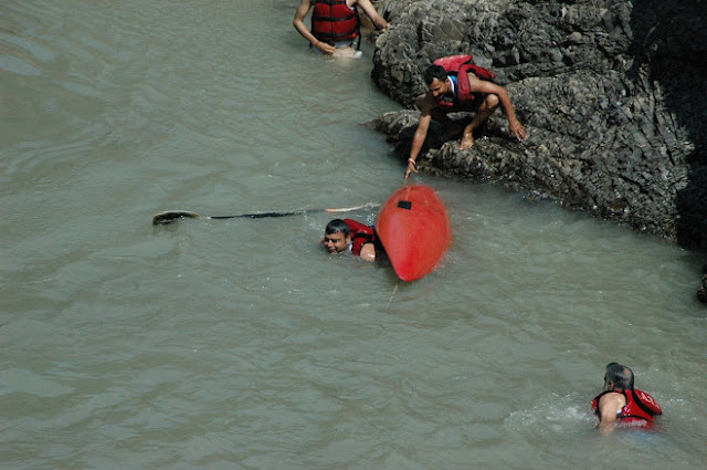 kayaking Activity Risikesh Cam tour On Ganga River