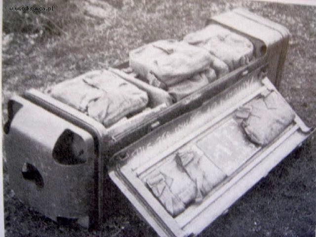 Fotografia jednego z typów zasobnika zrzutowego - foto. Odkrywca