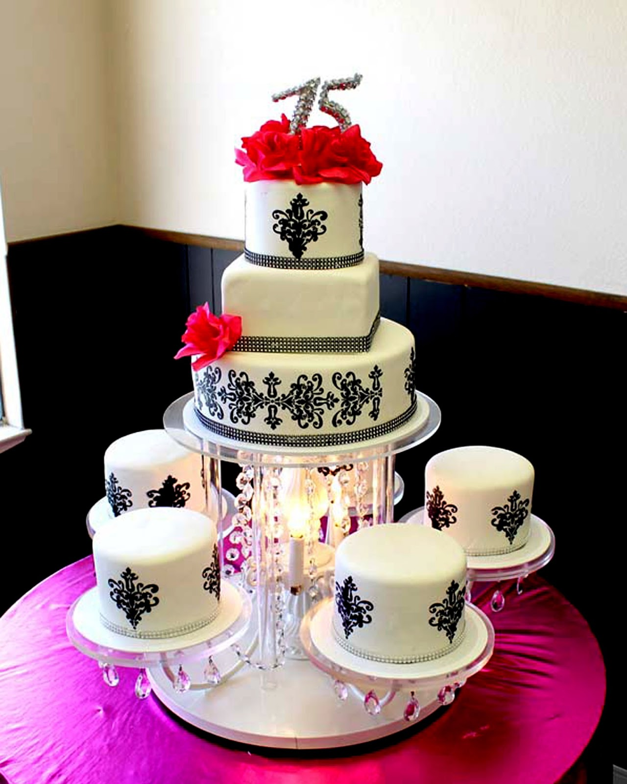Hectors custom cakes chandelier cake stand posted by hectors custom cakes edible images at 104 pm arubaitofo Image collections