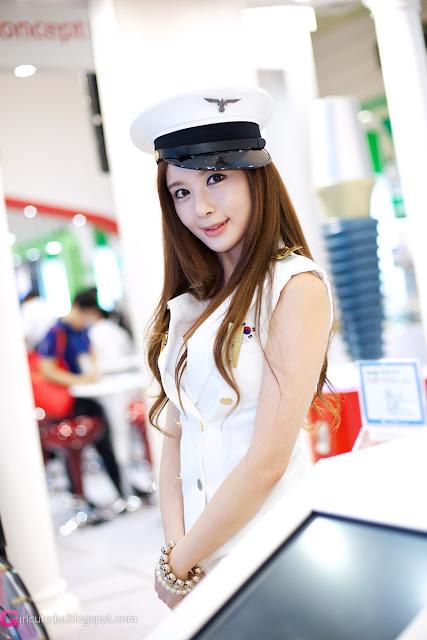 7 Lee Yeon Ah at SIDEX 2012-very cute asian girl-girlcute4u.blogspot.com