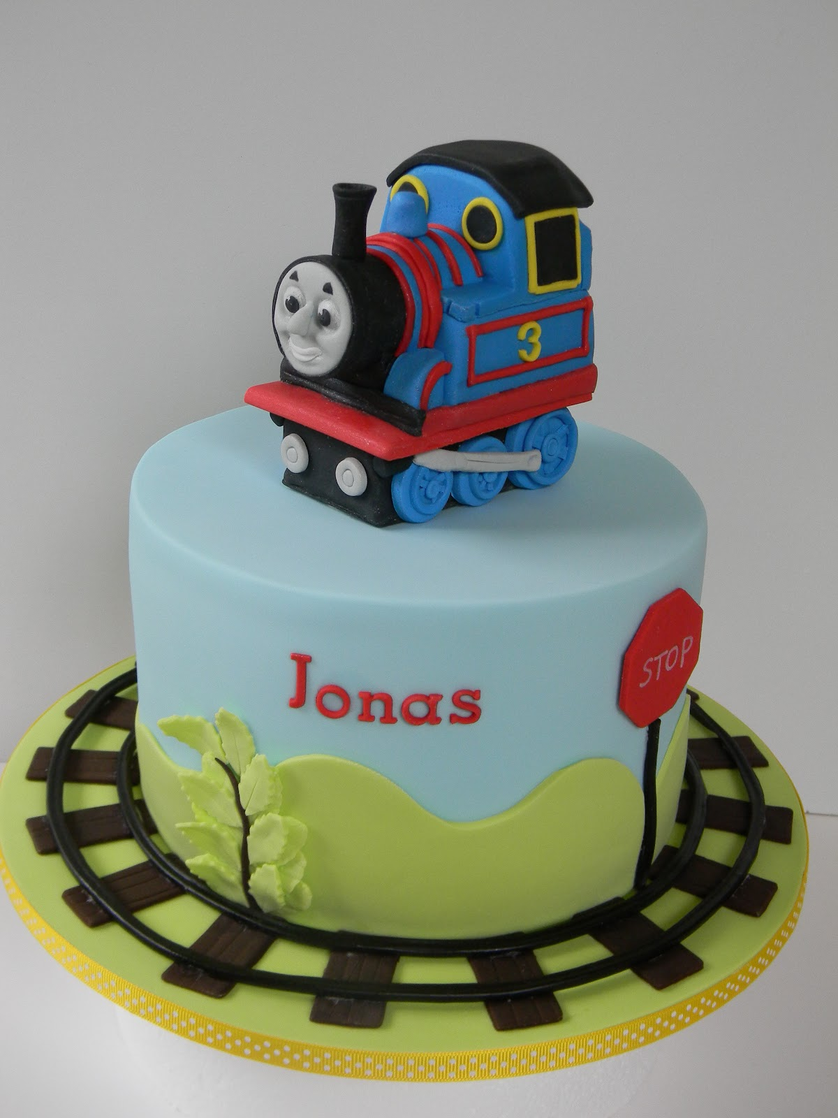 How To Make A Thomas The Train Cake Topper