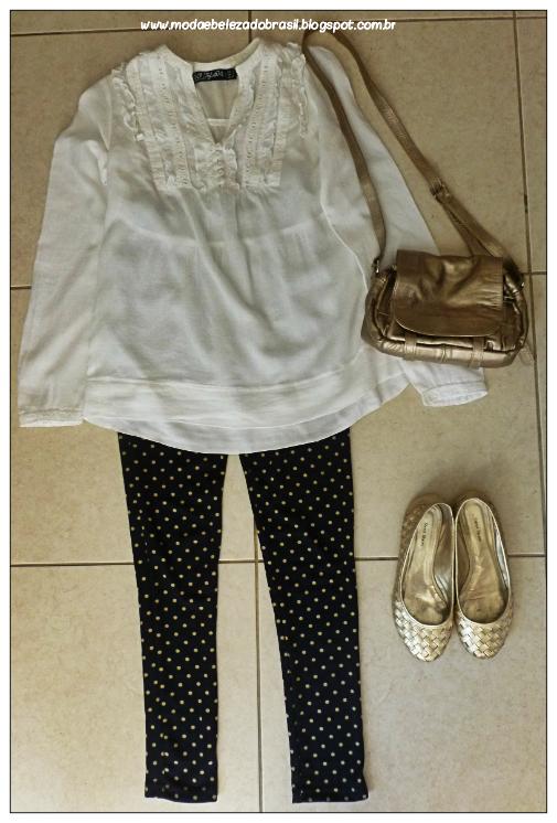 look do dia blusa branca de renda legging de bolinhas e bolsa dourada