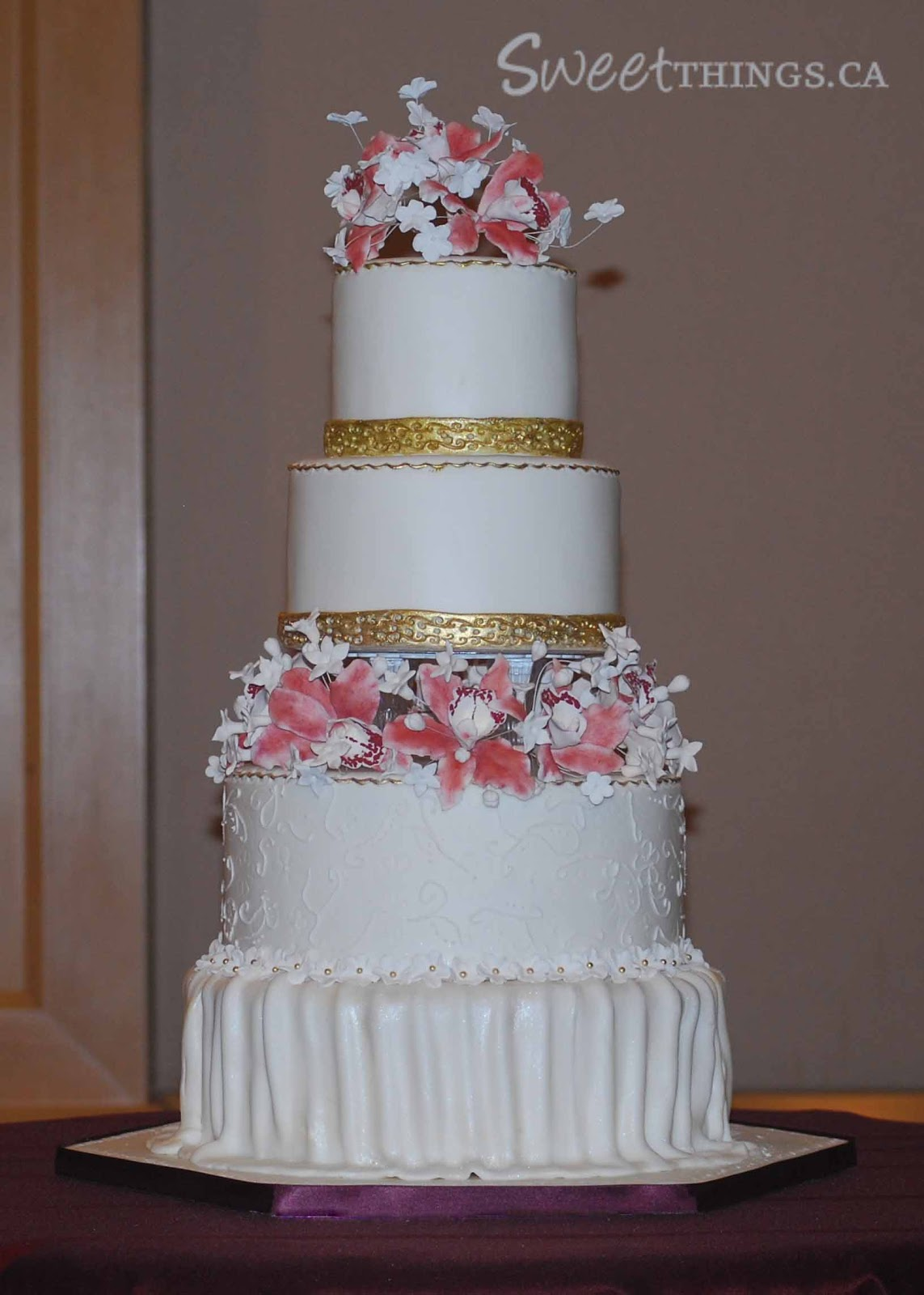 SweetThings: 4-tier Wedding Cake and a Set-up Tip!