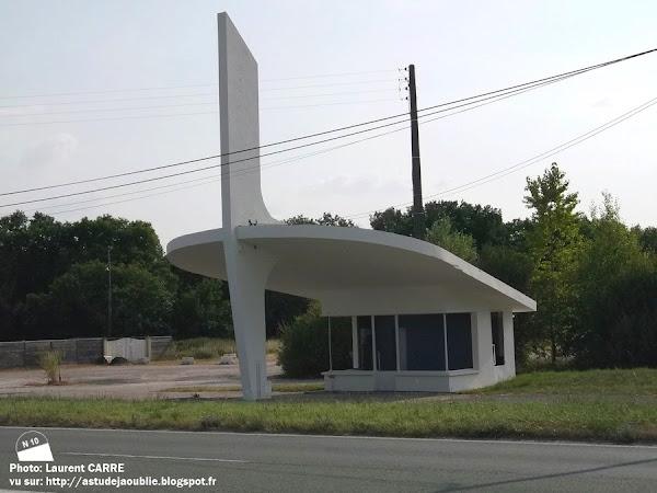 Sainte-Maure de Touraine - Station Service L'Étoile du sud