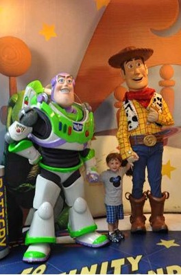 buzz, woody, disney world