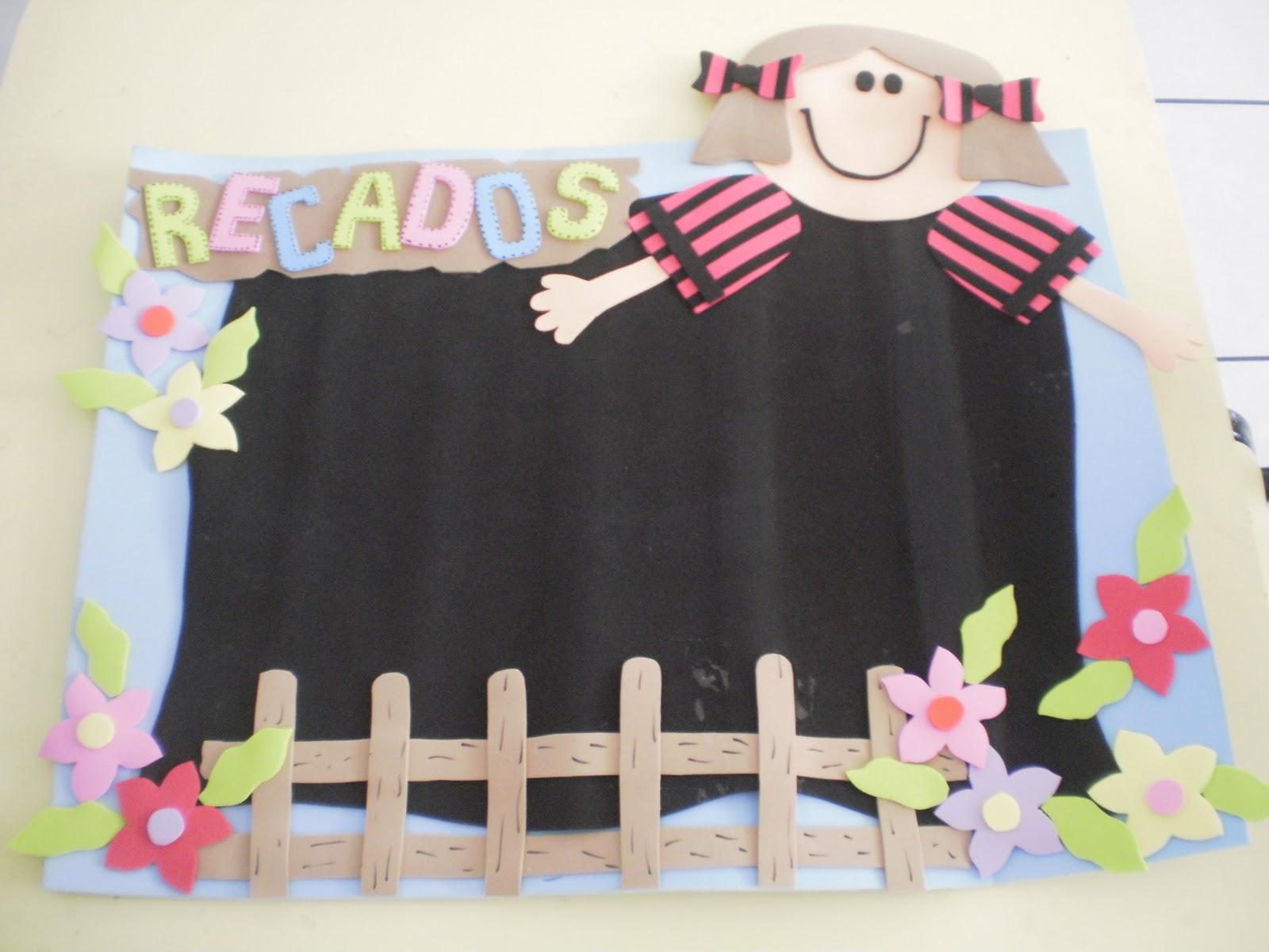 decoracao sala de leitura na escola:painel de recados chamadinha para nomes dos alunos calendário