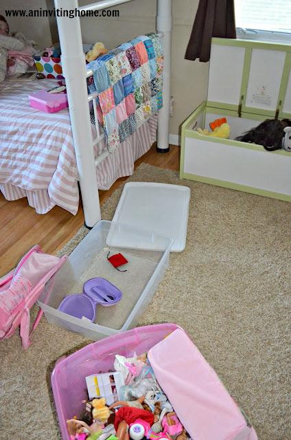 girl's room mess