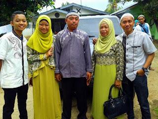Keluarga Medan Wisata