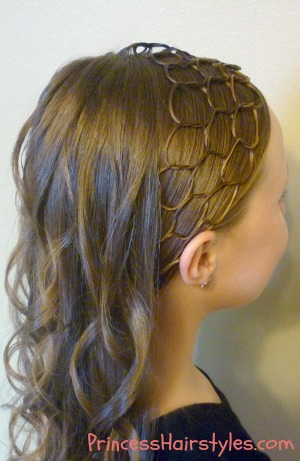 honeycomb hairstyle with curls