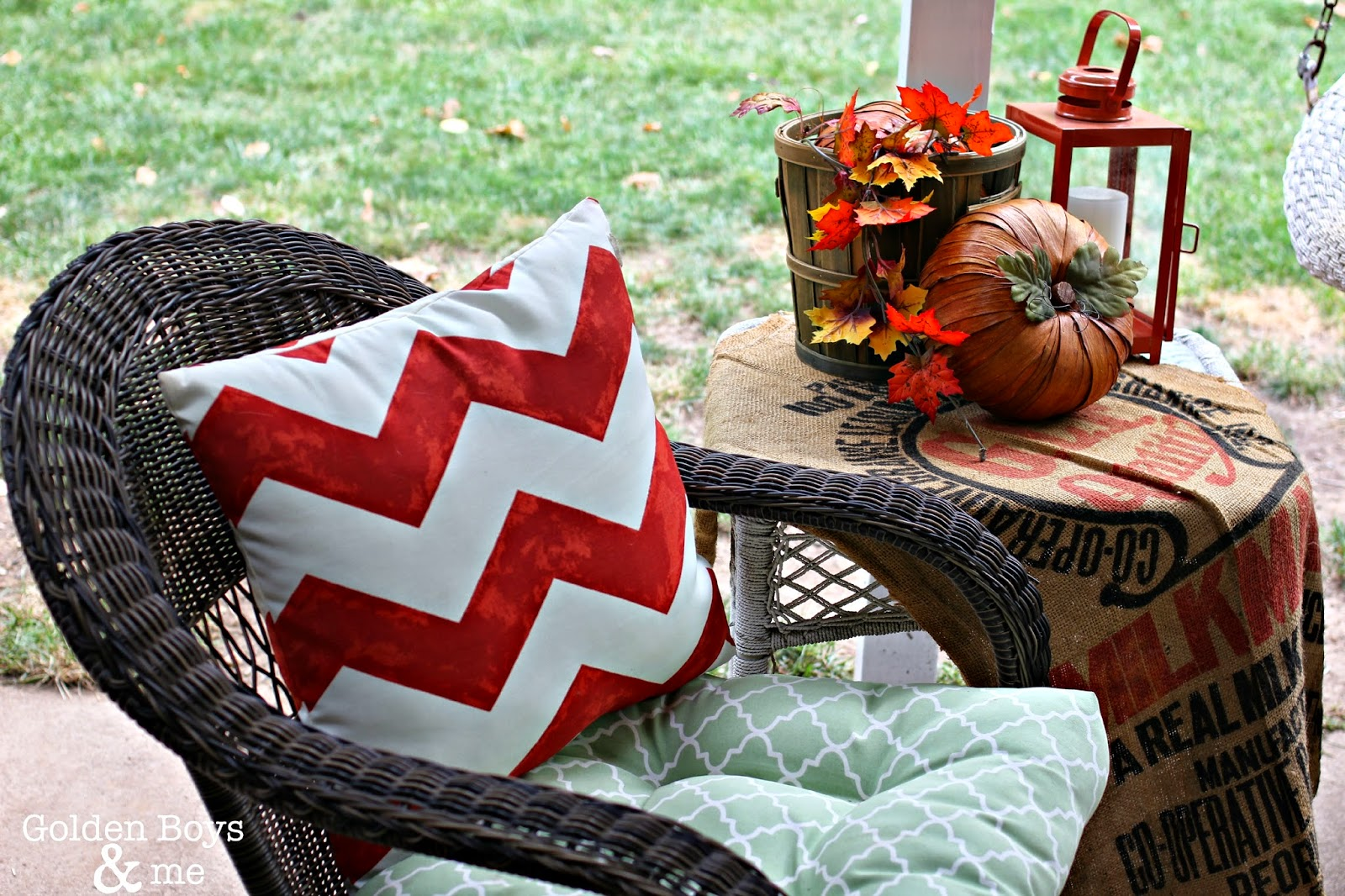 Fall decor on covered patio-www.goldenboysandme.com