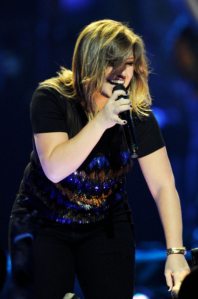 Best Kelly Clarkson Hairstyle Beauty Perlar Party Hairstyles Blondelacquer